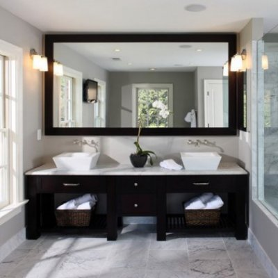 Beautiful Expresso Framed Mirror in Contemporary Bathroom